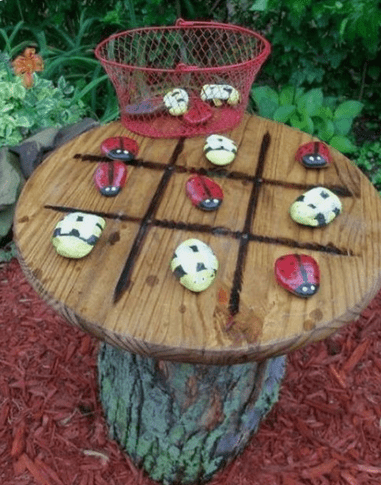 Outdoor tic-tac-toe table